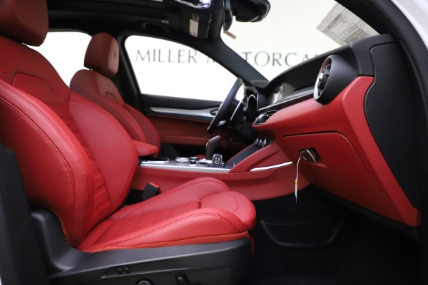 New 2020 Alfa Romeo Stelvio Ti Sport Q4 for sale $53,445 at Bentley Greenwich in Greenwich CT 06830 22