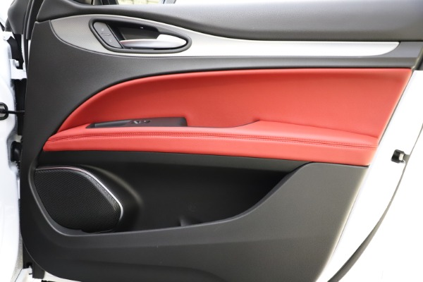 New 2020 Alfa Romeo Stelvio Ti Sport Q4 for sale $53,445 at Bentley Greenwich in Greenwich CT 06830 24