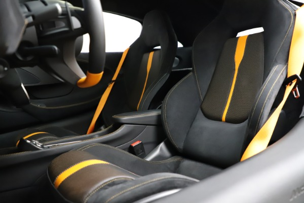 Used 2019 McLaren 570S for sale $177,900 at Bentley Greenwich in Greenwich CT 06830 18