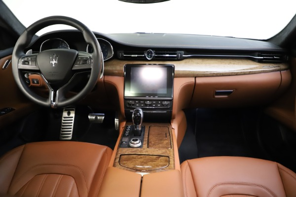 Used 2018 Maserati Quattroporte S Q4 GranLusso for sale $69,900 at Bentley Greenwich in Greenwich CT 06830 16