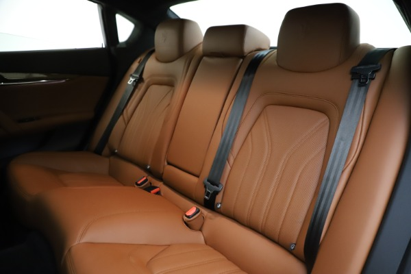 Used 2018 Maserati Quattroporte S Q4 GranLusso for sale $69,900 at Bentley Greenwich in Greenwich CT 06830 18