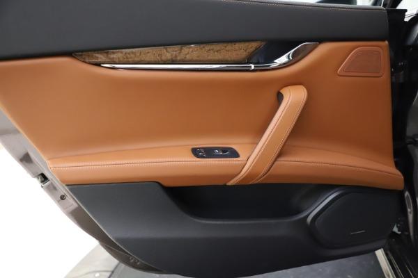 Used 2018 Maserati Quattroporte S Q4 GranLusso for sale $69,900 at Bentley Greenwich in Greenwich CT 06830 21