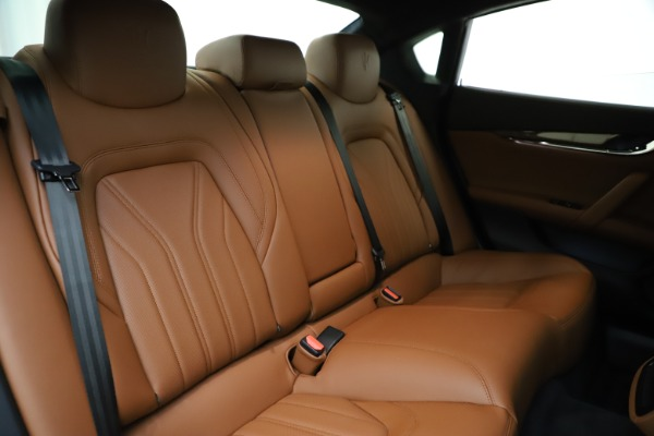 Used 2018 Maserati Quattroporte S Q4 GranLusso for sale $69,900 at Bentley Greenwich in Greenwich CT 06830 27