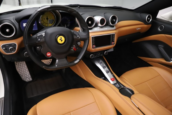 Used 2018 Ferrari California T for sale $169,900 at Bentley Greenwich in Greenwich CT 06830 17