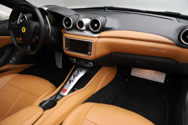Used 2018 Ferrari California T for sale $169,900 at Bentley Greenwich in Greenwich CT 06830 23