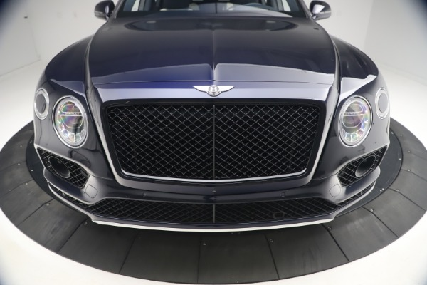 Used 2018 Bentley Bentayga W12 Signature Edition for sale $149,900 at Bentley Greenwich in Greenwich CT 06830 13