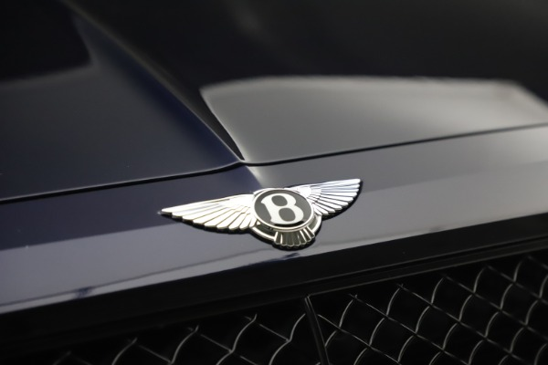 Used 2018 Bentley Bentayga W12 Signature Edition for sale $149,900 at Bentley Greenwich in Greenwich CT 06830 14