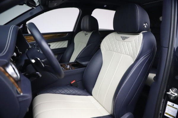 Used 2018 Bentley Bentayga W12 Signature Edition for sale $149,900 at Bentley Greenwich in Greenwich CT 06830 19