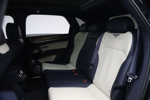 Used 2018 Bentley Bentayga W12 Signature Edition for sale $149,900 at Bentley Greenwich in Greenwich CT 06830 22