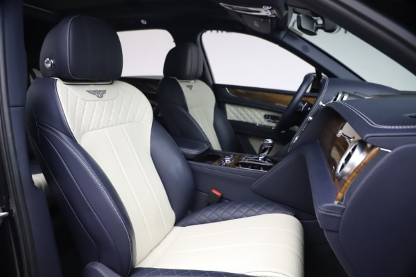 Used 2018 Bentley Bentayga W12 Signature Edition for sale $149,900 at Bentley Greenwich in Greenwich CT 06830 26