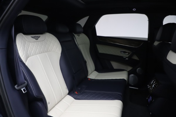 Used 2018 Bentley Bentayga W12 Signature Edition for sale $149,900 at Bentley Greenwich in Greenwich CT 06830 28
