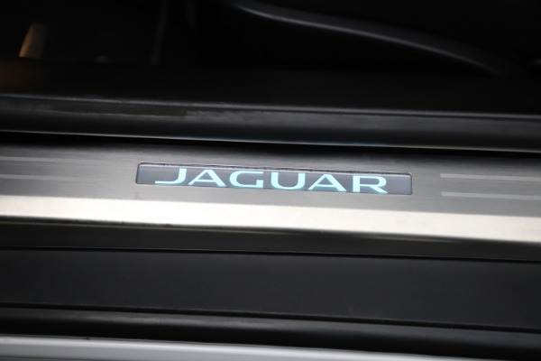 Used 2016 Jaguar F-TYPE R for sale $58,900 at Bentley Greenwich in Greenwich CT 06830 25