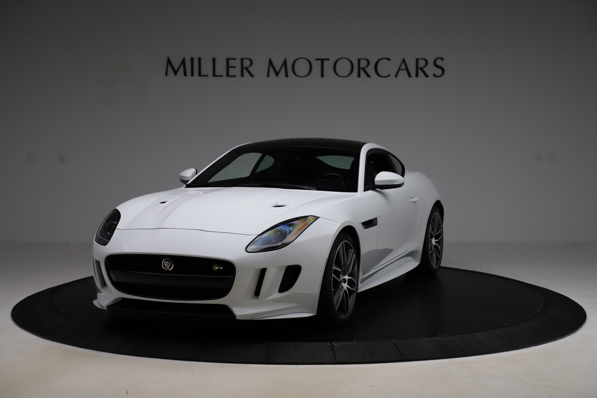 Used 2016 Jaguar F-TYPE R for sale $58,900 at Bentley Greenwich in Greenwich CT 06830 1