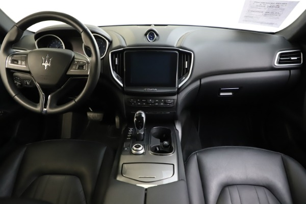 Used 2017 Maserati Ghibli S Q4 for sale $44,900 at Bentley Greenwich in Greenwich CT 06830 16