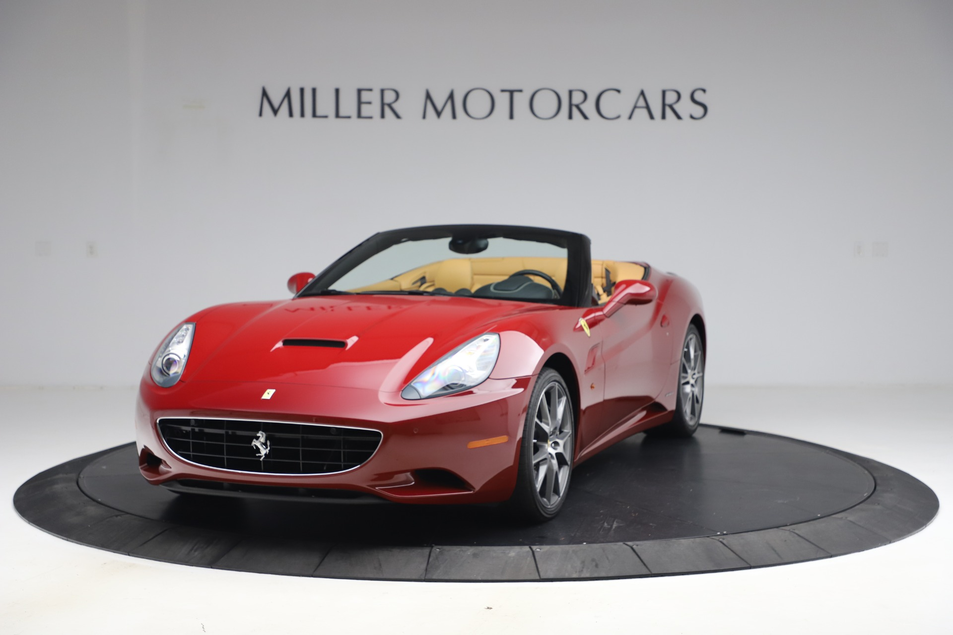 Used 2014 Ferrari California 30 for sale Sold at Bentley Greenwich in Greenwich CT 06830 1