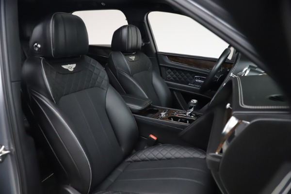 Used 2018 Bentley Bentayga W12 Signature for sale $154,900 at Bentley Greenwich in Greenwich CT 06830 28