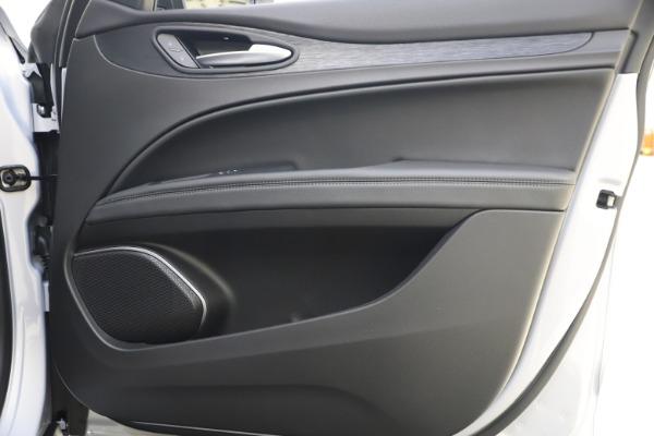 New 2020 Alfa Romeo Stelvio Q4 for sale Sold at Bentley Greenwich in Greenwich CT 06830 25
