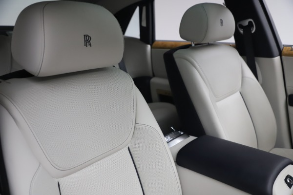 Used 2018 Rolls-Royce Ghost for sale $249,900 at Bentley Greenwich in Greenwich CT 06830 15