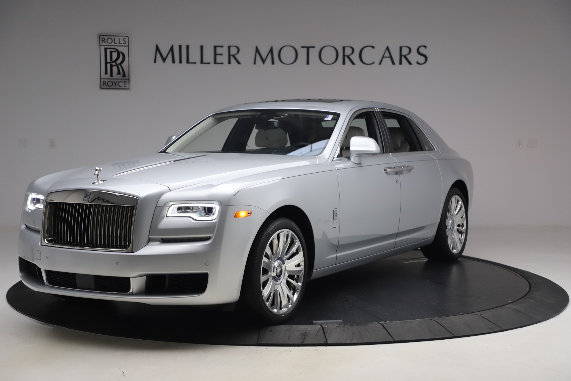 Used 2018 Rolls-Royce Ghost for sale $249,900 at Bentley Greenwich in Greenwich CT 06830 1