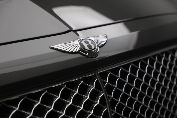 Used 2018 Bentley Bentayga W12 for sale $156,900 at Bentley Greenwich in Greenwich CT 06830 16