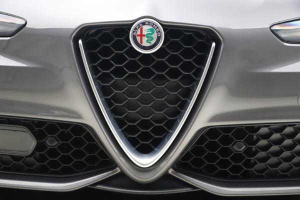Used 2017 Alfa Romeo Giulia Ti Sport for sale $26,900 at Bentley Greenwich in Greenwich CT 06830 14