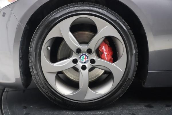 Used 2017 Alfa Romeo Giulia Ti Sport for sale $26,900 at Bentley Greenwich in Greenwich CT 06830 15