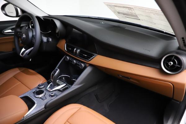 New 2021 Alfa Romeo Giulia Q4 for sale Sold at Bentley Greenwich in Greenwich CT 06830 22