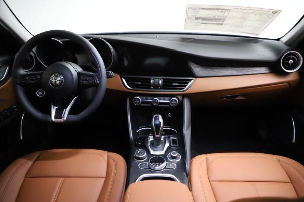 New 2021 Alfa Romeo Giulia Q4 for sale Sold at Bentley Greenwich in Greenwich CT 06830 26