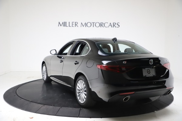 New 2021 Alfa Romeo Giulia Q4 for sale Call for price at Bentley Greenwich in Greenwich CT 06830 5