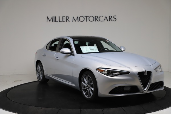 New 2021 Alfa Romeo Giulia Q4 for sale $46,490 at Bentley Greenwich in Greenwich CT 06830 11