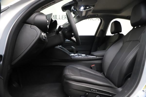 New 2021 Alfa Romeo Giulia Q4 for sale Sold at Bentley Greenwich in Greenwich CT 06830 14