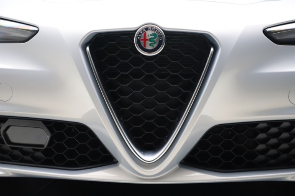 New 2021 Alfa Romeo Giulia Q4 for sale $46,490 at Bentley Greenwich in Greenwich CT 06830 25