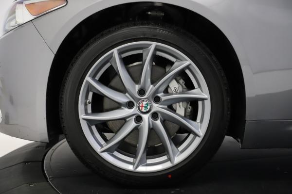New 2021 Alfa Romeo Giulia Q4 for sale $47,085 at Bentley Greenwich in Greenwich CT 06830 27