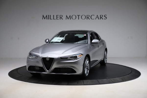 New 2021 Alfa Romeo Giulia Q4 for sale $47,085 at Bentley Greenwich in Greenwich CT 06830 1