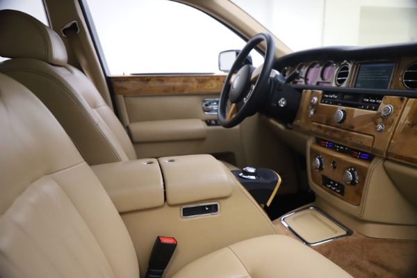 Used 2006 Rolls-Royce Phantom for sale $109,900 at Bentley Greenwich in Greenwich CT 06830 21