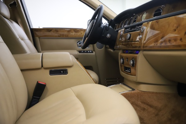 Used 2006 Rolls-Royce Phantom for sale $109,900 at Bentley Greenwich in Greenwich CT 06830 24
