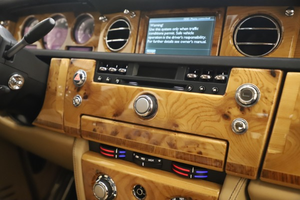 Used 2006 Rolls-Royce Phantom for sale $109,900 at Bentley Greenwich in Greenwich CT 06830 25