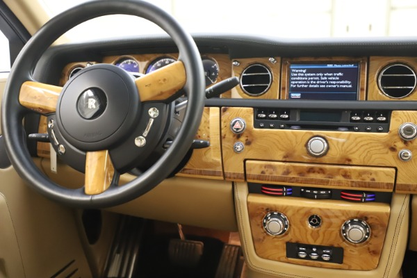 Used 2006 Rolls-Royce Phantom for sale $109,900 at Bentley Greenwich in Greenwich CT 06830 27