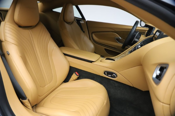 Used 2017 Aston Martin DB11 V12 Coupe for sale $149,900 at Bentley Greenwich in Greenwich CT 06830 21