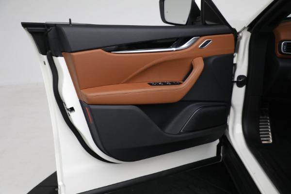New 2021 Maserati Levante Q4 for sale $85,625 at Bentley Greenwich in Greenwich CT 06830 17