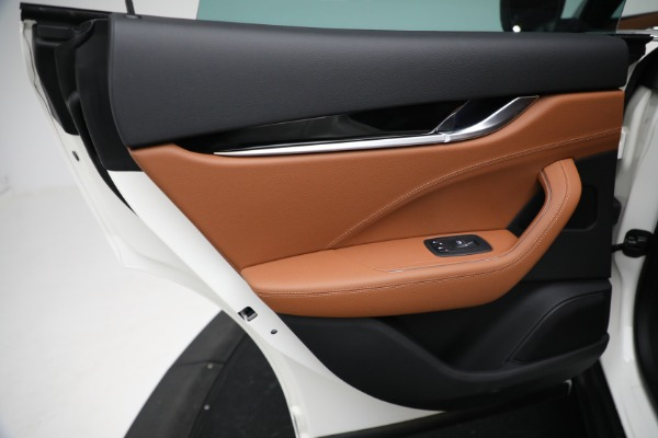 New 2021 Maserati Levante Q4 for sale $85,625 at Bentley Greenwich in Greenwich CT 06830 21