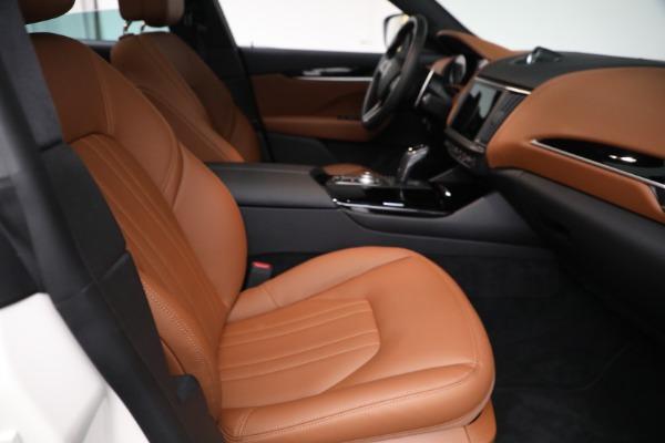 New 2021 Maserati Levante Q4 for sale $85,625 at Bentley Greenwich in Greenwich CT 06830 23