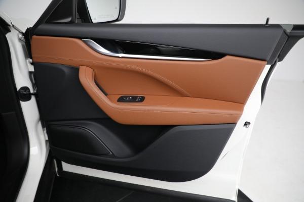 New 2021 Maserati Levante Q4 for sale $85,625 at Bentley Greenwich in Greenwich CT 06830 24