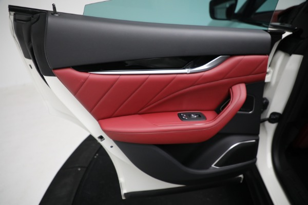 New 2021 Maserati Levante Q4 for sale $76,769 at Bentley Greenwich in Greenwich CT 06830 18