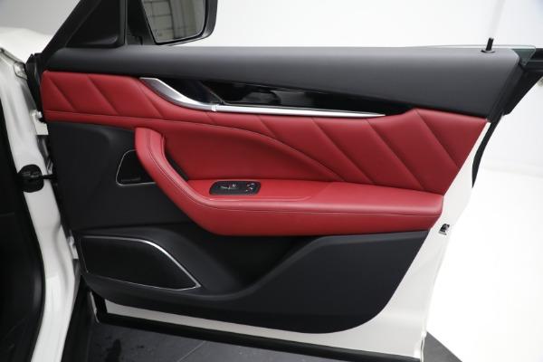 New 2021 Maserati Levante Q4 for sale $76,769 at Bentley Greenwich in Greenwich CT 06830 21