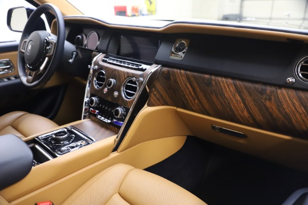 Used 2019 Rolls-Royce Cullinan for sale Sold at Bentley Greenwich in Greenwich CT 06830 17