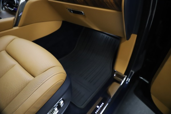 Used 2019 Rolls-Royce Cullinan for sale Sold at Bentley Greenwich in Greenwich CT 06830 28