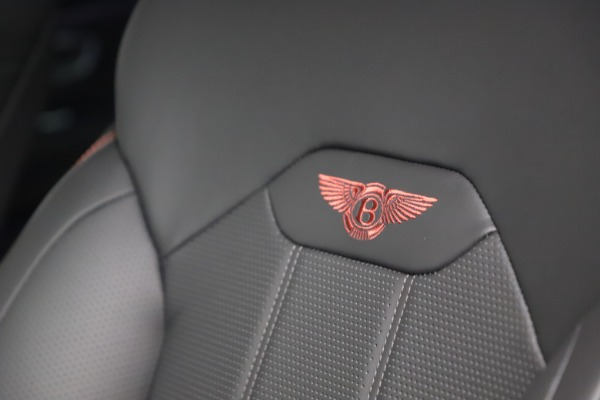New 2021 Bentley Bentayga V8 for sale $213,720 at Bentley Greenwich in Greenwich CT 06830 22