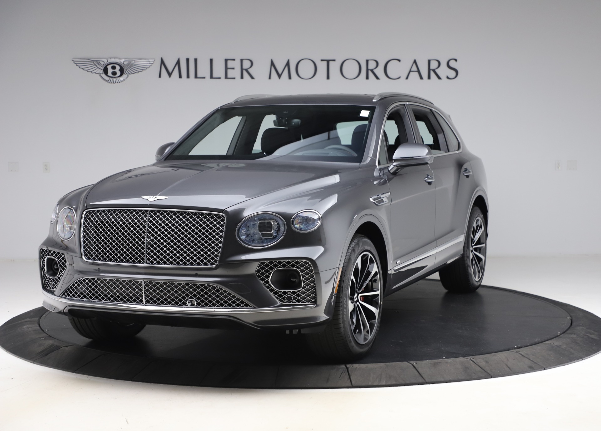 New 2021 Bentley Bentayga V8 for sale $213,720 at Bentley Greenwich in Greenwich CT 06830 1