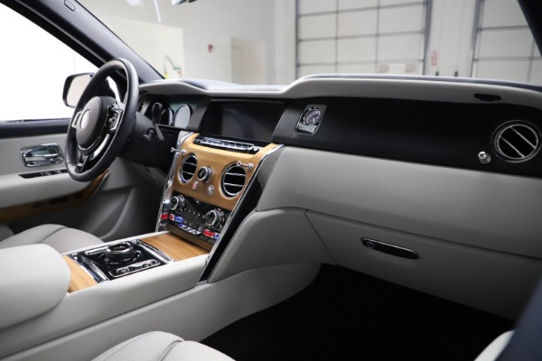 Used 2019 Rolls-Royce Cullinan for sale $349,900 at Bentley Greenwich in Greenwich CT 06830 14